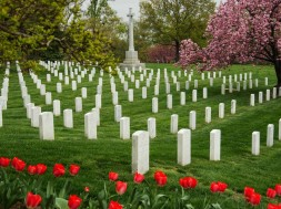 Headstones in Arlington National Cemetery. Foto en copyright: Karen Bleier/Getty Images