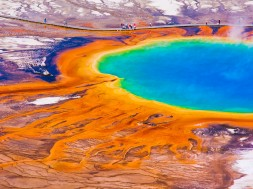 Grand-Prismatic-Spring-in-Yellowstone-National-Park-