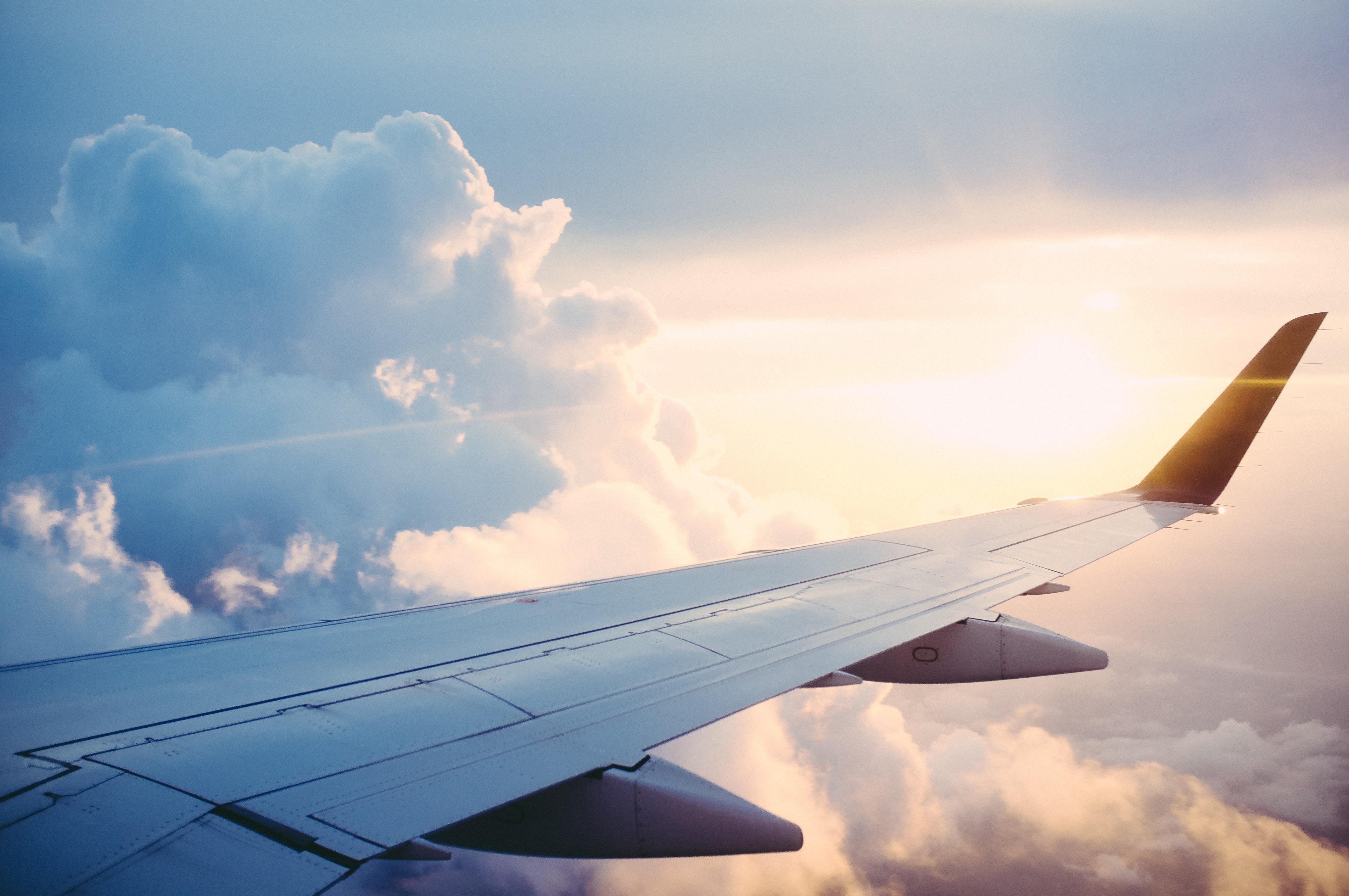 Vliegen naar Amerika regels: bagage, inchecken en de douane