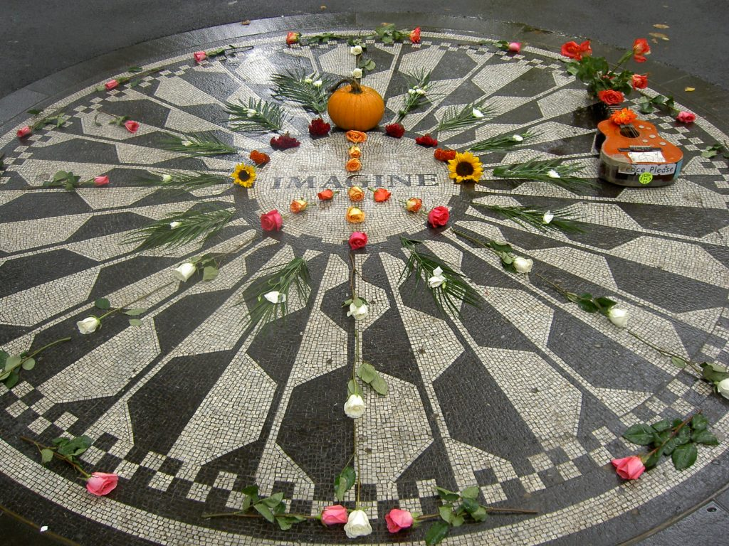 strawberry fields imagine mozaiek
