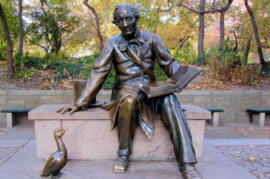 hans christian andersen beeld in central park