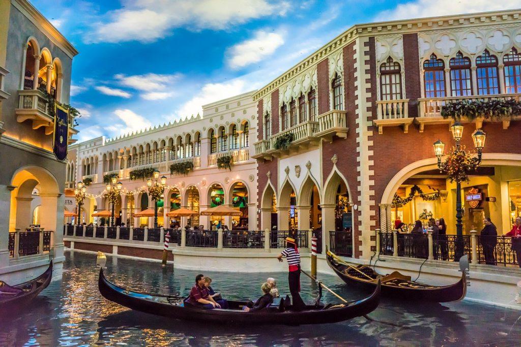 las vegas malls grand canal shoppes